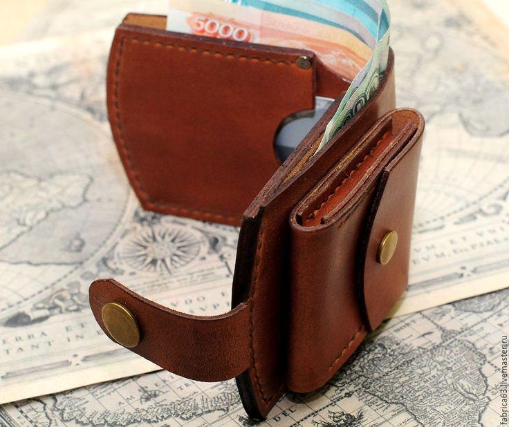 Портмоне с отделом для мелочи – купить или заказать в интернет-магазине на Ярмарке Мастеров   Компактное, удобное портмоне коричневого цвета.