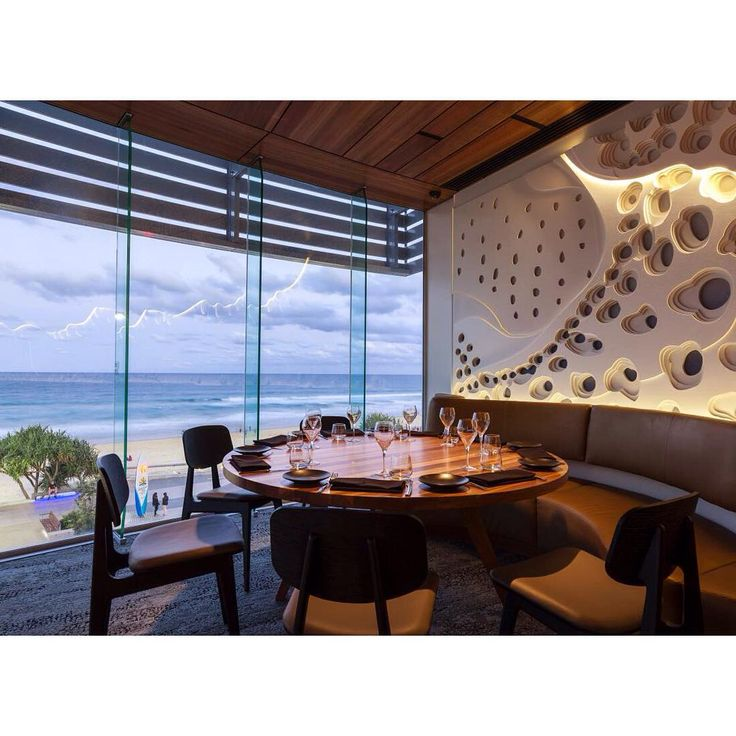 The best water view restaurants in Surfers Paradise #food #restaurants #cafes #foodie #dining #goldcoast #surfersparadise