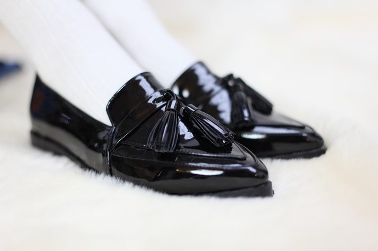 Patent Leather, Leather Loafers, Pointy Black Flats, Woman Shoes, Colleges Loafers, Schools Shoes, Art Tiptoe, Black Patent, Awsome Stuff