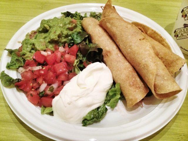 With Guacamole, Salsa and Sour Cream - 5件のもぐもぐ - Chicken Taquitos by MyRaX