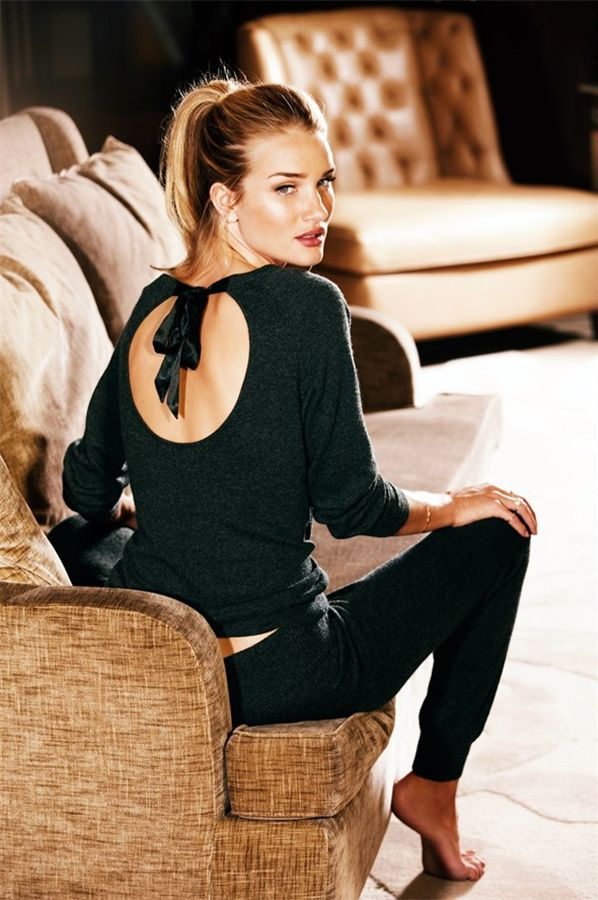 Spotted some stylish loungwear by Marks & Spencers (modeled by the rather gorgeous rosie huntington-whiteley)...perfect for lazing around over the holiday season!xx debramarks & spencers