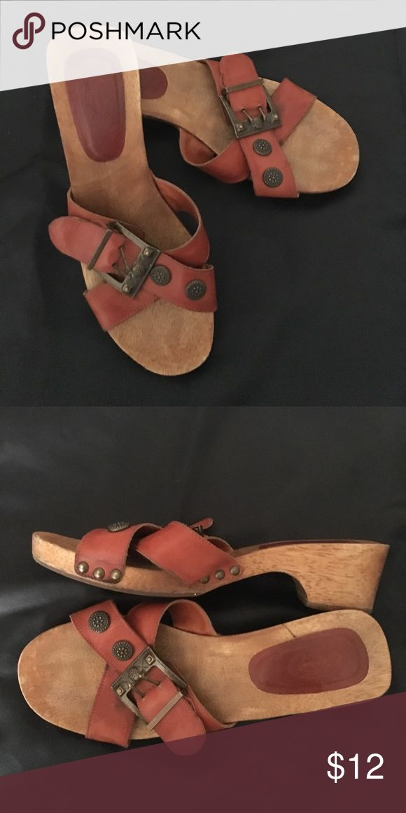 Selling this Dr. Scholl's sandals on Poshmark! My username is: windycreek. #shopmycloset #poshmark #fashion #shopping #style #forsale #Dr. Scholl's #Shoes