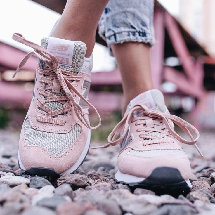 Newbalance 574 Pink Because Pastel Shoes Is All You Need Newbalance574 Nb574 Pinknb Instakicks Eastendwoman Past Nb Shoes Pastel Shoes Shoes