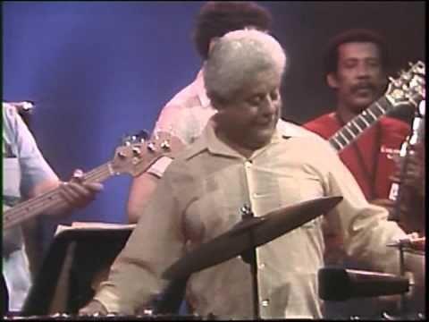L'album Pare Cochero di Tito Puente di musica latina, pubblicato nel 2004, è uscito nel 2009 per la Casa disco grafica Caney. Titoli 1.: Pare Cochero 2.: Coco Seco 3.: La Guira 4.: Este Tumbao 5.: Espinita 6.: Mambo Suavecito 7.: Bambaram Bam Bam 8.:...