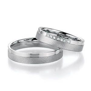 Alianzas de matrimonio fabricadas en oro blanco paladiado. Disponbles en 18k & 14K