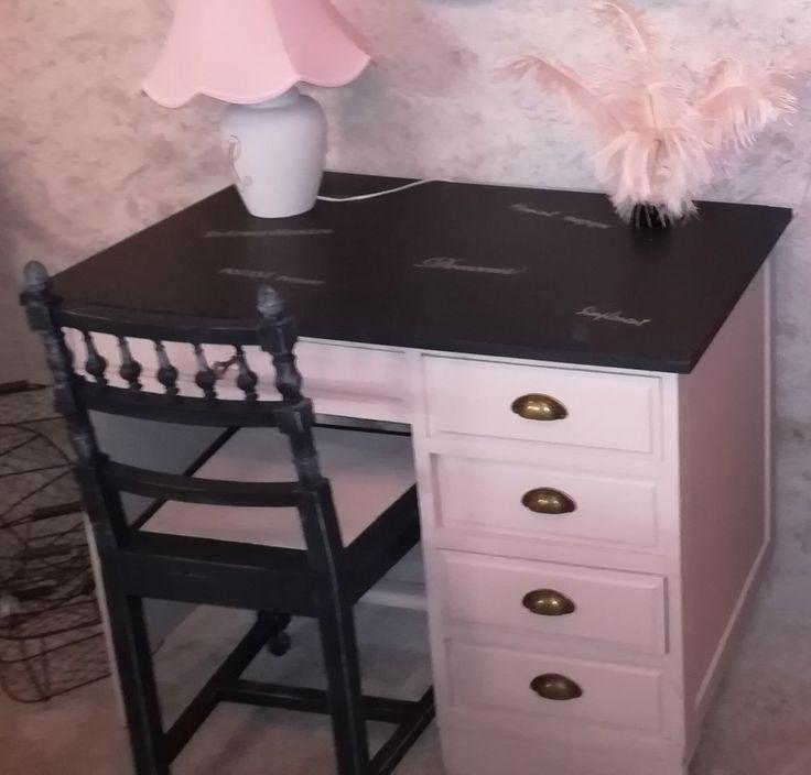 Bureau repeint en Antique rose et noir, avec pocho…