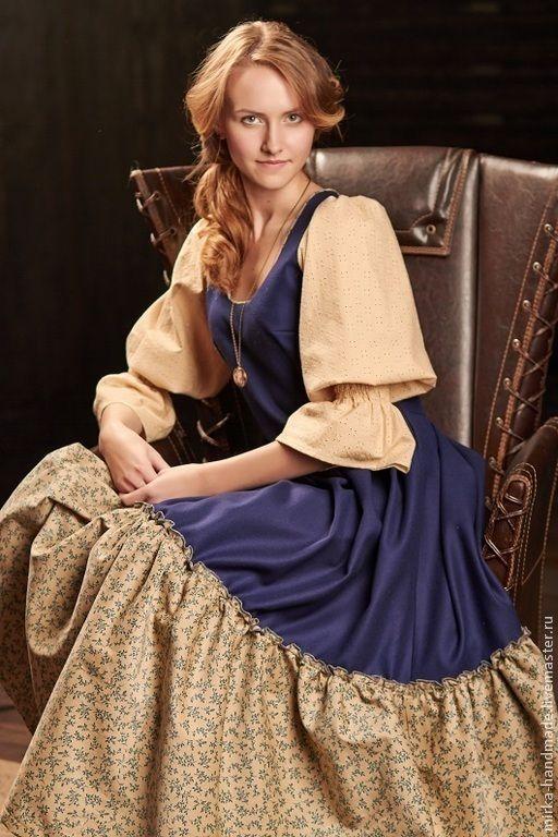 Купить или заказать Платье в бохо-стиле 'Delft porcelain' в интернет-магазине на Ярмарке Мастеров. Уникальное и неповторимое шерстяное платье с кружевными рукавами и вельветовым воланом снизу. Невероятно тёплое, зимнее, но при этом лёгкое и воздушное с виду. Качественнейшие материалы- костюмная синяя шерсть на лифе такая мягкая изнутри, что платье можно носить просто на майку или на сорочку, оно совершенно не колется; кружевные рукава - как лёгкое облачко; нижний волан не оставит…