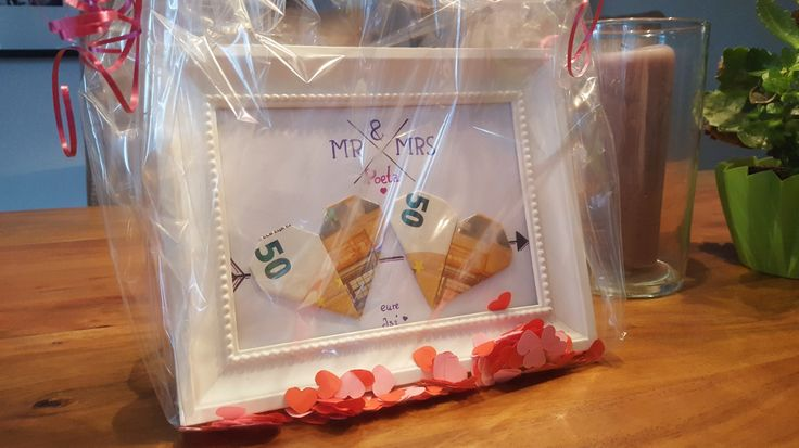 Hochzeitsgeschenk, Weddingpresent, Wedding gift - Geld Herzen im Bilderrahmen