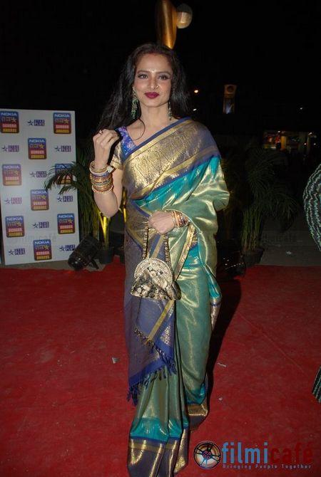 The Gorgeous Rekha in a Gorgeous Kanjeevaram Silk Sari!