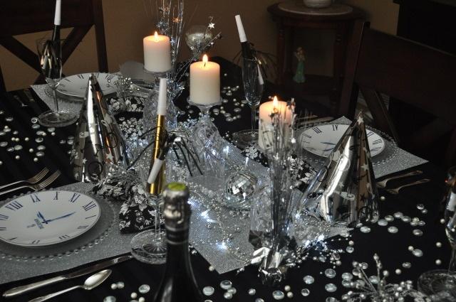 New Year's Eve Table Decor | Dinner Party Ideas | Pinterest