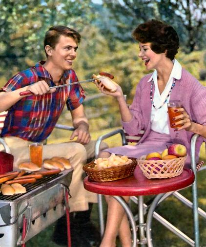 Retro cookout Barbe-cute! Vintage Pics of Picnics & Cookouts | Story by ModCloth | Brilliant Barbecue | Scoop.it