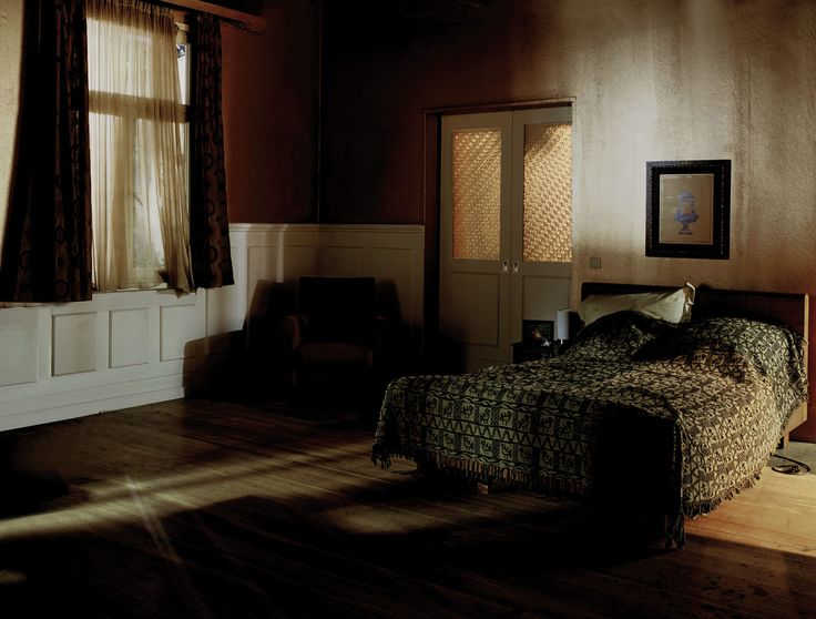 Anna Lehmann-Brauns captures light and color in her nostalgic images of lifeless interiors — Freunde von Freunden