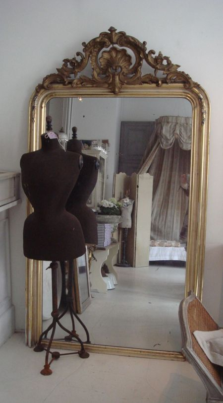 love all of this - I need that mirror