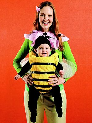 Simply wrap a yellow towel around your baby carrier, add bubble wrap wings, and your baby is now a bumblebee for Halloween! #costume http://www.parents.com/holiday/halloween/costumes/kids-handmade-halloween-costumes/?socsrc=pmmpin092112HWCBumblebee#page=7