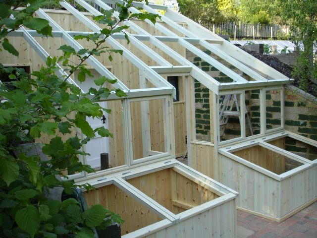 Best 25 lean to greenhouse ideas on pinterest small for House plans with greenhouse attached
