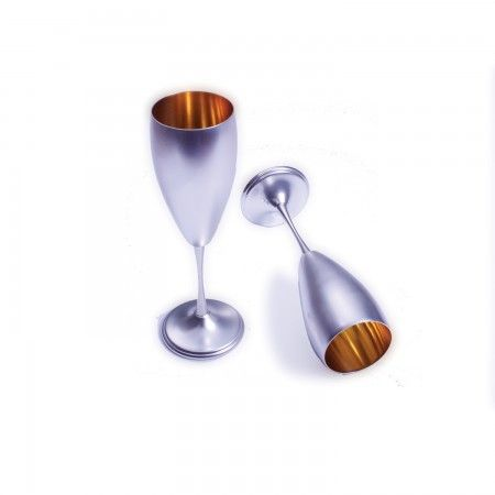 Celebrate a wedding or anniversary with these classic silver champagne glasses.