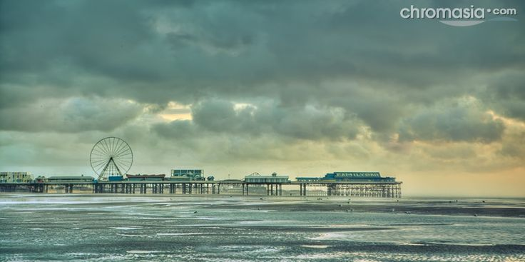 the edge of evening / 2x1 + HDR + piers [Central pier] + fylde coast [scenic]