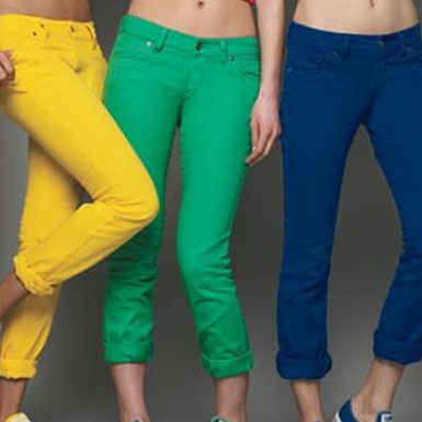 gekleurde jeans