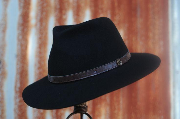 the dingo black.png