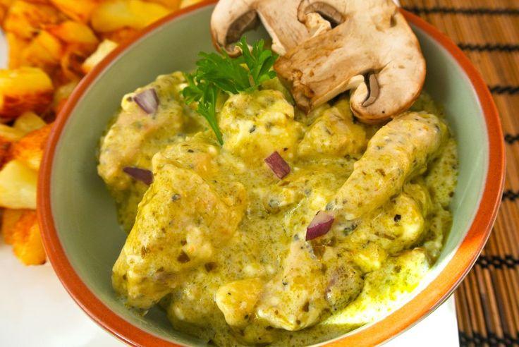Romige kip-pesto met champignons en ui - Lekker en Simpel