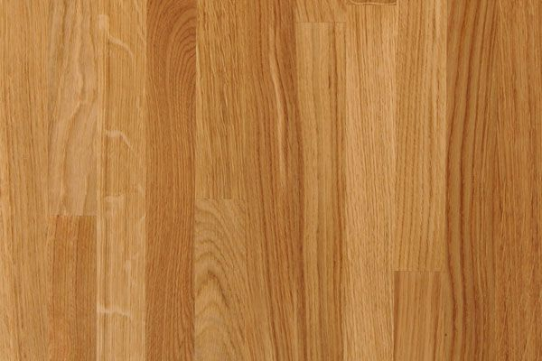 A close up on our glorious oak. The distinctive and prominent grain pattern is shown to full effect by the pleasingly substantial, 40mm solid staves making up the worktop's surface. http://www.worktop-express.co.uk/wood_worktops/oak_worktops.html
