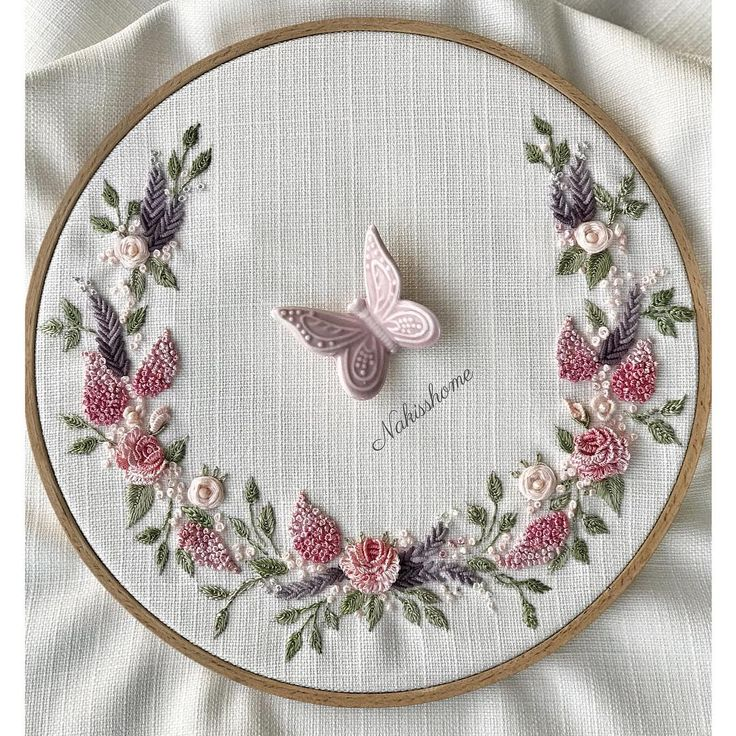 ................ #brazilianembroidery #embroidery #ribbon #ribbonembroidery #brezilyanakisi #nakış #çeyiz #rokoko #rokokonakışı #photo #phototheday #pink #rose #crosstitch #stitch #handmade #handmadeembroidery #monogram