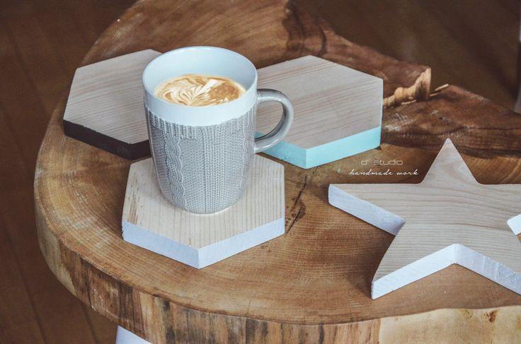 Podstawki pod kubki HEKSAGON handmade szare drewno w D2 Studio - Drewno dla Twojego domu na DaWanda.com