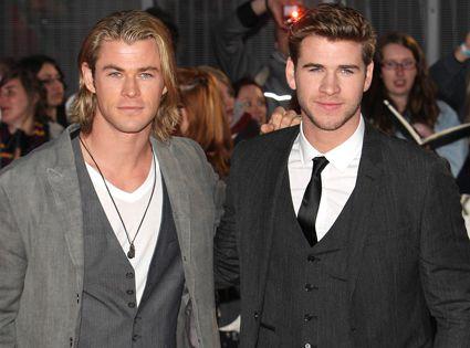 So freakin' hot! Chris Hemsworth, Liam Hemsworth