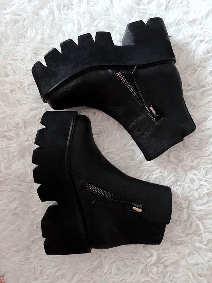jeffrey campbell goth platform #demonia #fashion #style #goth #platform #shoes #black #jeffreycampbell #demonia #healthgoth #goals #winter #boots #minimal #aesthetic #tumblrstyle #tumblrpost #cute #l4l #lifestyle