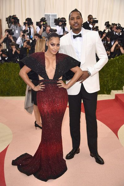 "La La Anthony (L) and Carmelo Anthony attend the ""Manus x Machina: Fashion In An Age Of Technology"" Costume Institute Gala at Metropolitan Museum of Art on May 2, 2016 in New York City."