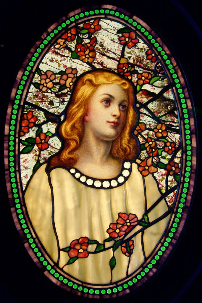 'Girl with Cherry Blossoms' by Tiffany Glass & Decorating Company (c.1890), at the Richard H. Driehaus Gallery of Stained Glass, Chicago, Illinois, USA. Original Photo: Daderot (PD)