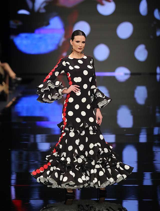 Desfile de Lina en Simof 2018: «Río de Rosas» apuesta por unas flamencas originales y atrevidas que lucen creaciones de dos piezas