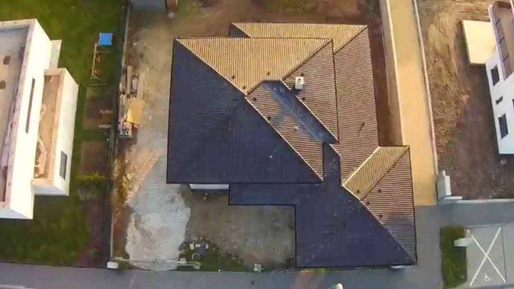 Video z hrubej stavby rodinného domu