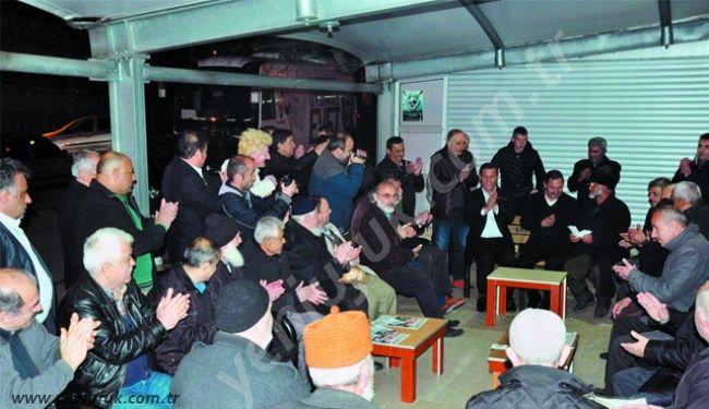 Kdz. Ereğli Belediye Başkanı Hüseyin Uysal, Cumhurbaşkanlığı Hükümet Sistemine ilişkin Evet'e destek turları kapsamında önce Kepez Mavişehir, daha sonra da Bağlık Mahallesi Hatip Sokak'taydı..