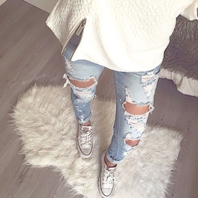 February: Ok so I think ripped jeans are probably one of my comfy pair of jeans. Like I could sleep in my ripped jeans. Mine aren't so tight which makes if causal yet cute