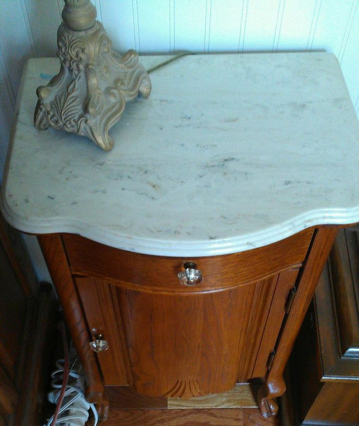 Small Oak Nightstand With Drawers