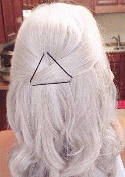 Triangle bobie pinns #hair #updo #downdo #cute #triangle