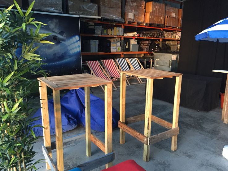 Pallet and bed slat bar tables