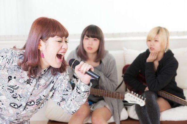 """[画像] 日本人って """"カラオケ好き"""" なんじゃないの? 「カラオケ嫌いな人」が意外と多いとの調査結果にちょっとビックリ!"""