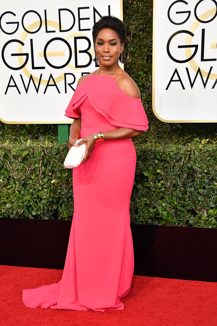 Pretty in pink! Red carpet veteran Angela Bassett didn't disappoint in a floor-length gown with a unique neckline#goldenglobes #merylstreep #hollywood #felizmartes #tuesdaymotivation #mondaymotivation #rt #strangerthings #goldenglobes2017 #polandlovesskam #donaldtrump #trump #smog #hautecouture #couture #redcarpet #movies #movie #tv #series #comedy #drama #goldenglobes2017 #iheartawards #awards #quote #competition #stargiveaway #bestfanarmy #fabricstore #dress #gown #men #mensfashion…