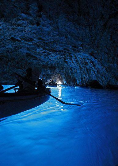 Visit the Blue Grotto (Grotta Azzurra), Anacapri, Capri (Campania), Italy