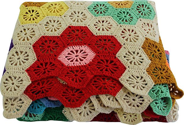 #CrochetedFlowerBlanket This would be  a fun curtain also
