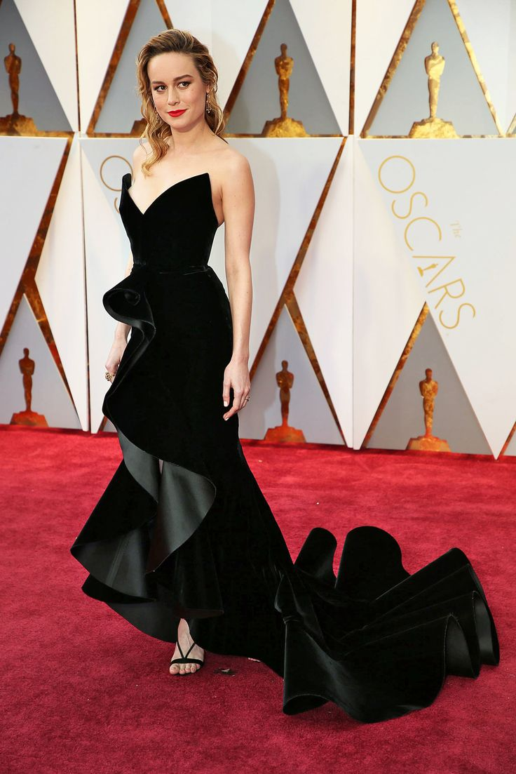 See what nominees like Emma Stone, Naomie Harris and Mahershala Ali are wearing on Hollywood's biggest awards night.