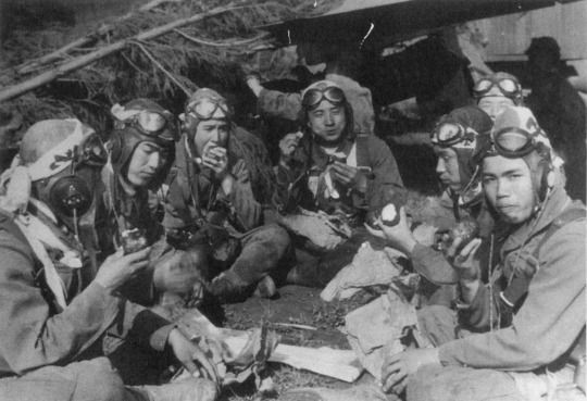 kamikaze pilots the fearless warriors of the japanese imperial army The japanese kamikazes were not fearless as some have  most pilots either commited  did any japanese soldiers deserted the imperial army.