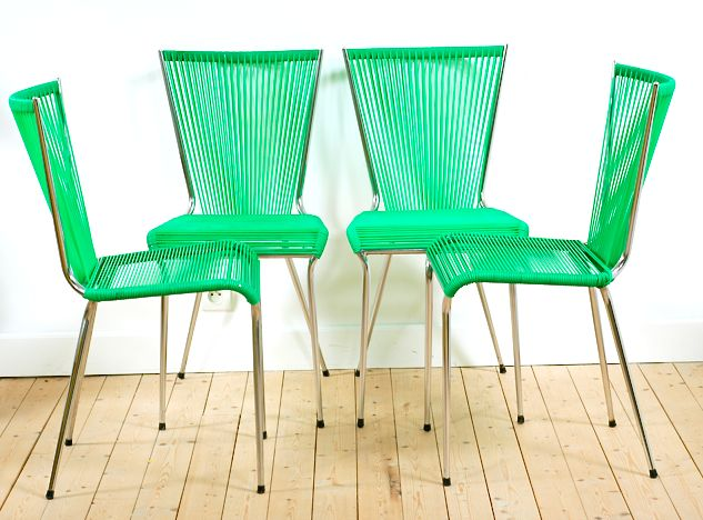 Create a stylish deco with these vintage scoubidou vintage chairs