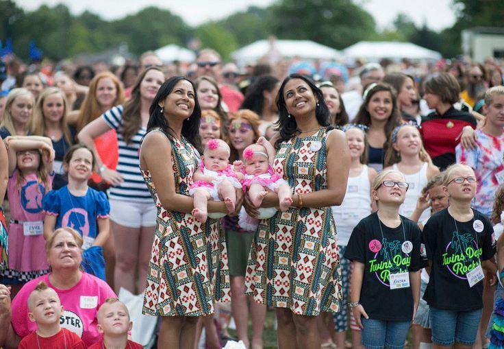 Festival de gêmeos elege os mais parecidos e as fotos são super divertidas