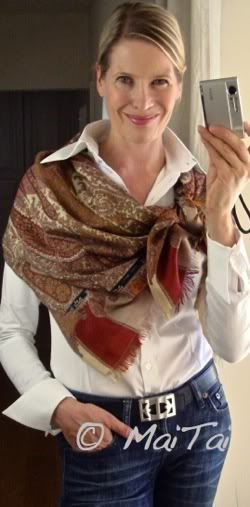 MaiTai's Picture Book: Jeans and white shirt.....fun blog with great scarf and wrap ideas