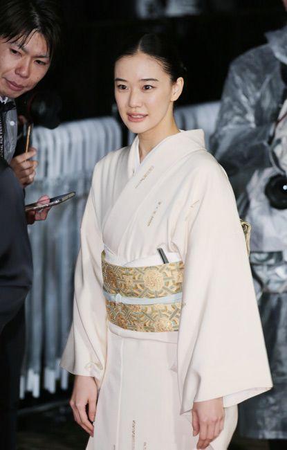 ◆蒼井優 東京国際映画祭のレッドカーッペットで