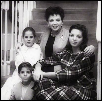 Lorna Luft With Her Mother Judy Garland, Sister Liza Minnelli And Brother Joey Luft.