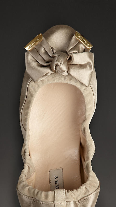 Burberry/Bow Detail Satin Slippers